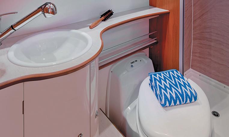 Petit kit salle de bain pour camping car id es de design for Kit salle de bain design