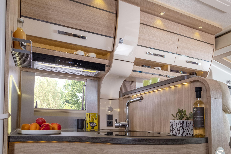 Camping Car Integral Moins De 6m Cuisine Wincester 65 Lmc Florium
