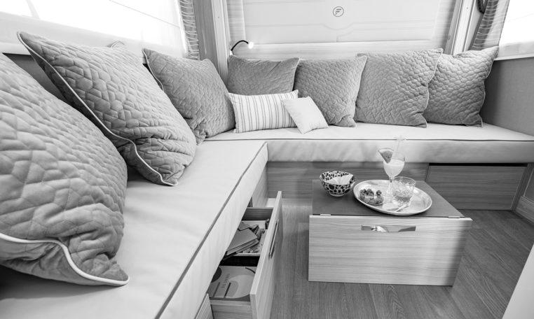 Camping Car Avec Salon Arriere Fleurette Discover 75LOFT Salon1