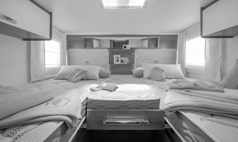 Camping Car Familial Florium Wincester 74LJG Chambre