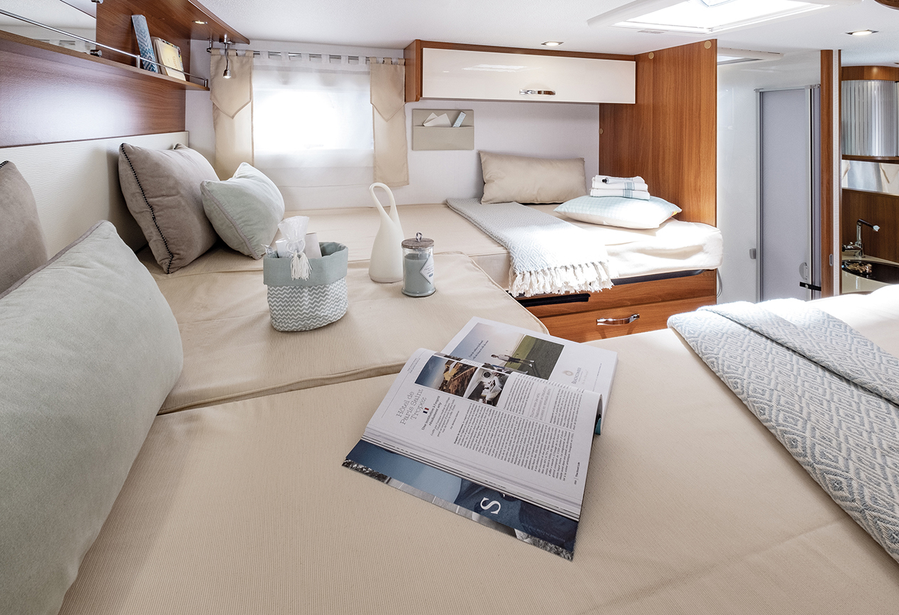 Camping car lit jumeaux spacieux - Fleurette Magister 69 ...