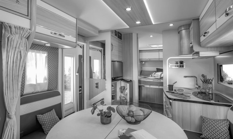 Camping Car Lit Pavillon Fleurette Magister Black Pearl 70LMF Salon Cuisine