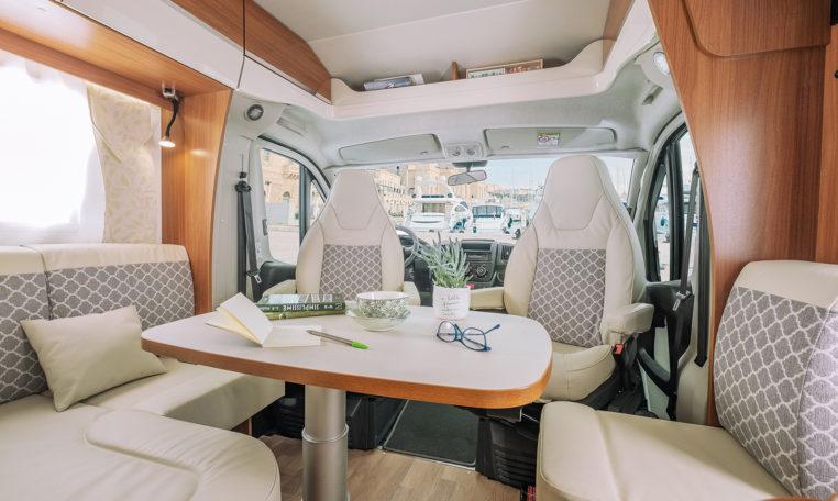 Petit Camping Car Fleurette Migrateur 60LG Salon