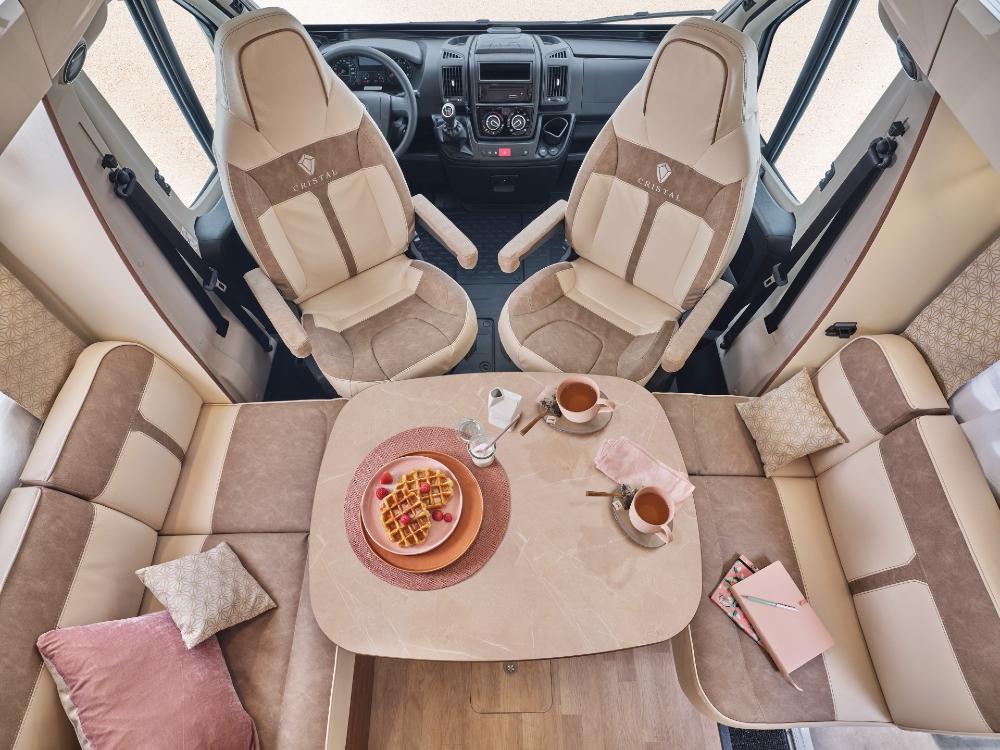 Camping Car Profile Fleurette Migrateur 64ldf Salon